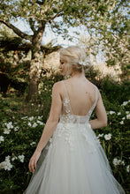 Load image into Gallery viewer, TAHLIA - Wedding Dress Molteno