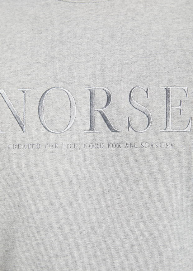 Vagn Serif Logo Crew Light Grey Melange
