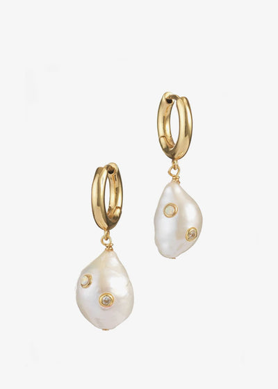 Gertrude Pearl Hoop Earrings Gold