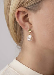 Treasure Pearl Earring Gold