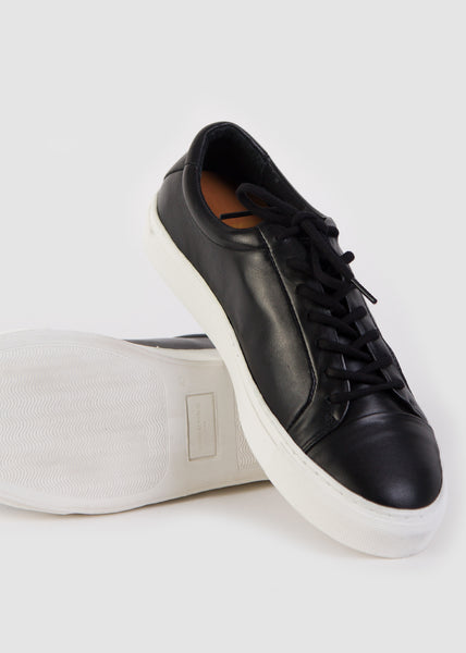Spartacus Season Shoe Black with White