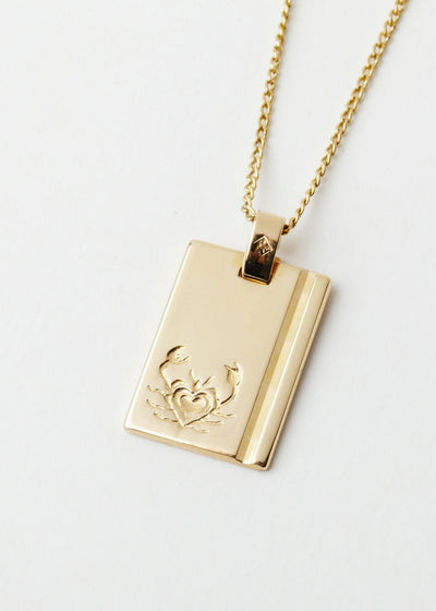 Cancer Star Sign Pendant and Chain Gold