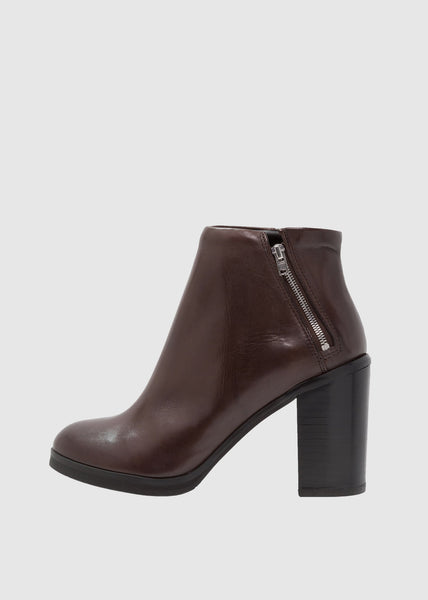 Bridge Zip Boot Brown