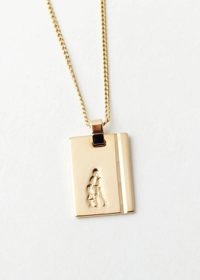 Aquarius Star Sign Pendant and Chain Gold