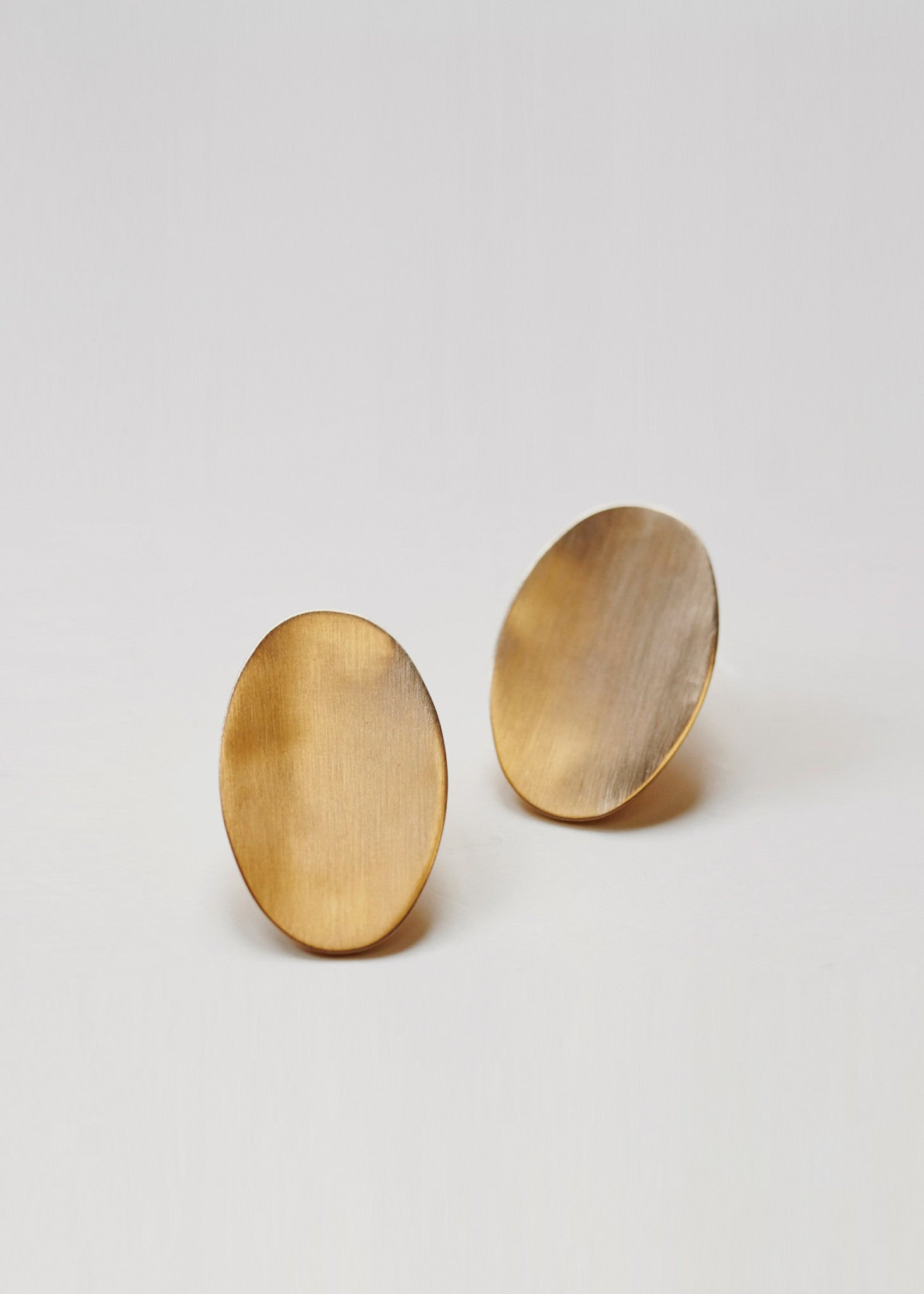 Discus Earrings 18ct Gold
