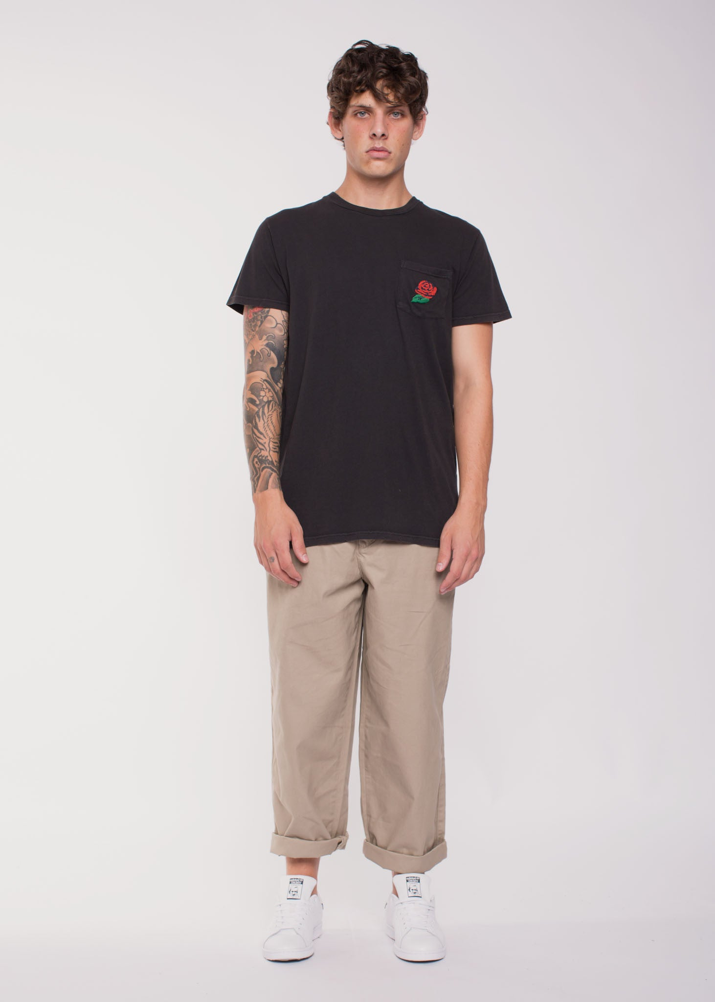 Wildrose Pocket Tee Faded Black