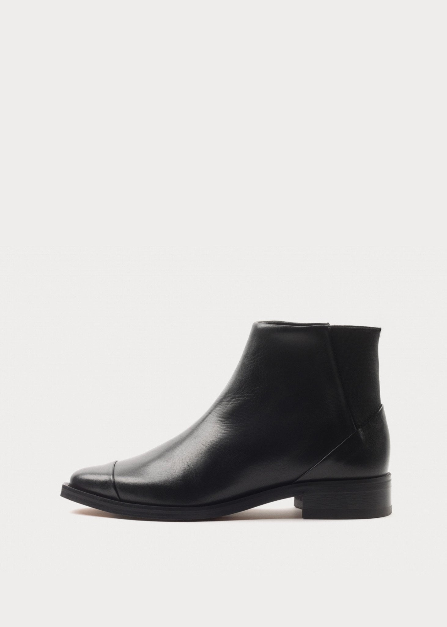 Prime Square Back Chelsea Boot Black