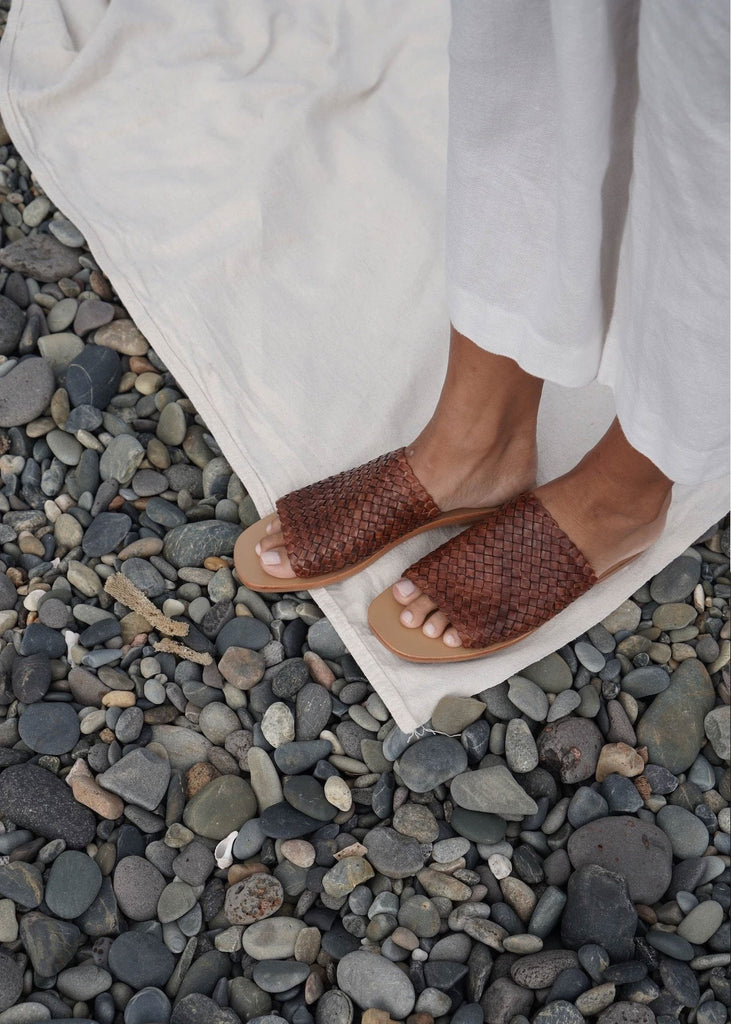 Pia Woven Slide Antique Tan