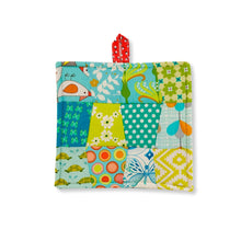 Load image into Gallery viewer, Tweet handmade potholder made in Haiti by women  Edit alt text