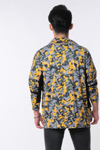 Load image into Gallery viewer, LOGOMANIA Contemporary Camo Printed Jacket