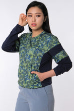 Load image into Gallery viewer, LOGOMANIA Classic Camo Long Sleeve Tee