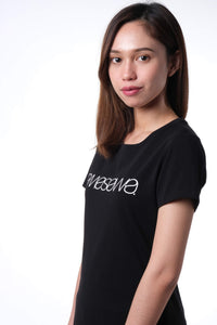 SIGNATURE NIGHT BLACK SHORT SLEEVE TEE