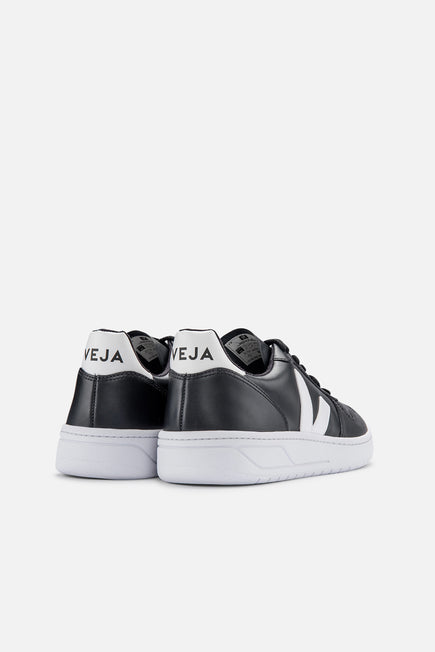 V-10 by Veja in Black/white Sole 2