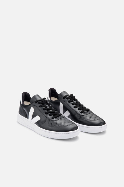 V-10 by Veja in Black/white Sole 3