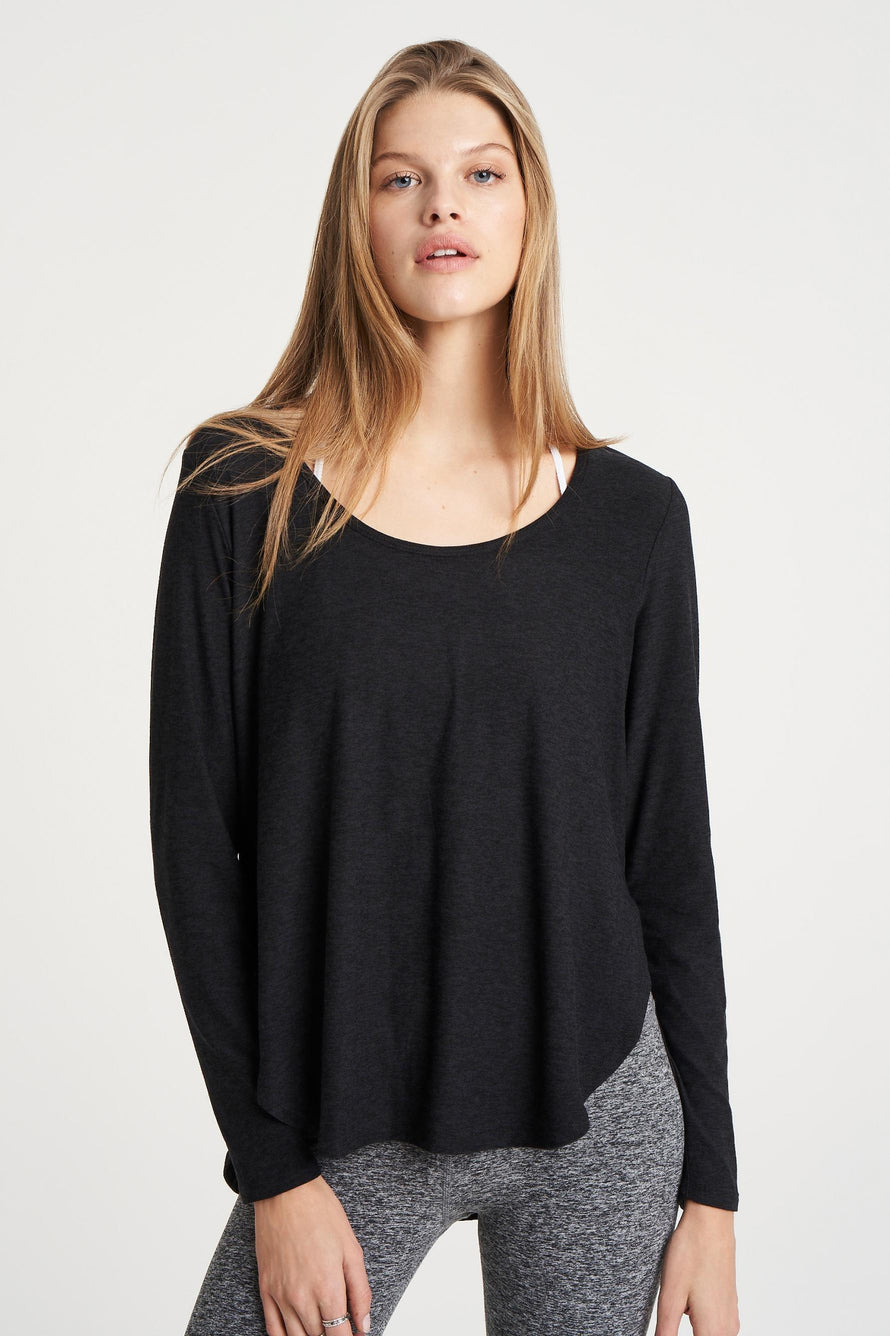 Cut And Run Pullover by Beyond Yoga in Darkest Night 1