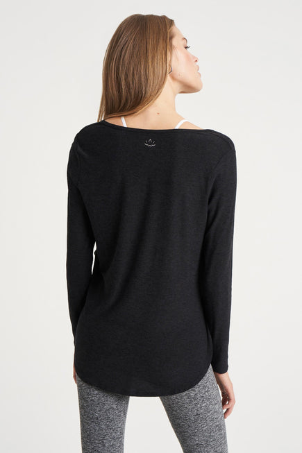 Cut And Run Pullover by Beyond Yoga in Darkest Night 5