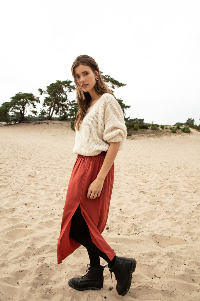 SKIRT BODHI BARN RED