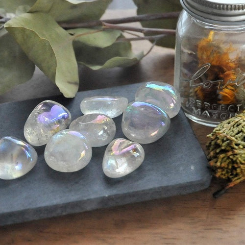 Quartz Crystal -  Protecting and Amplifying