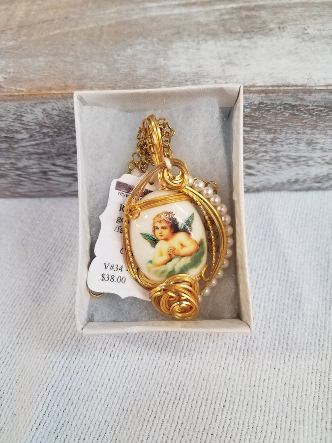 Resin Cherub Gold Plated with Faux Pearls & a 22' Chain
