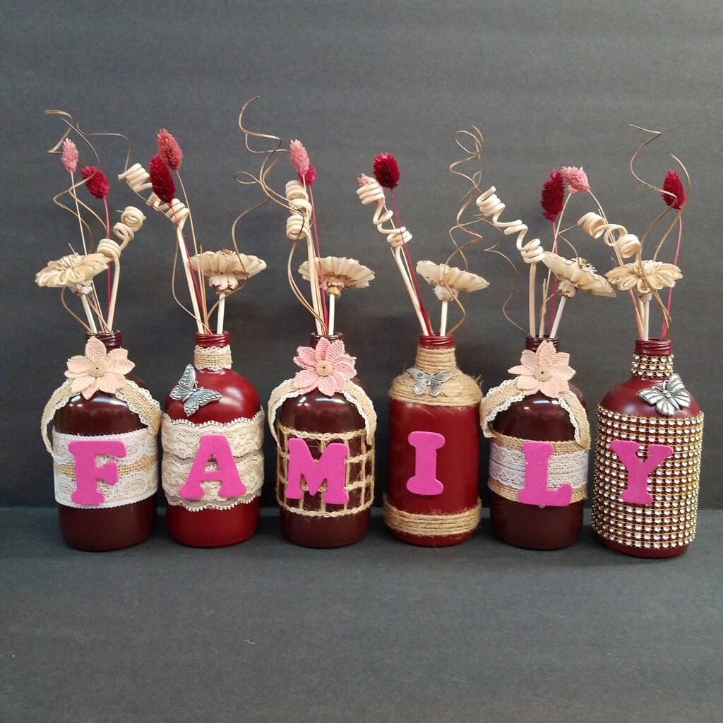 "6 pc Short Jug Bottle Decor with the word ""FAMILY"""