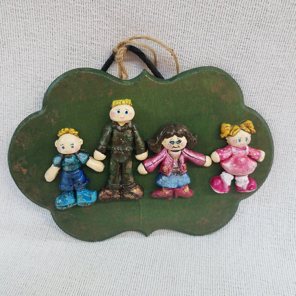 Army Family Sculpture Plaque