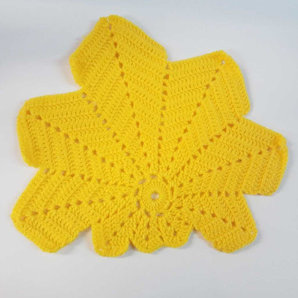 Crochet Leaf Dollie