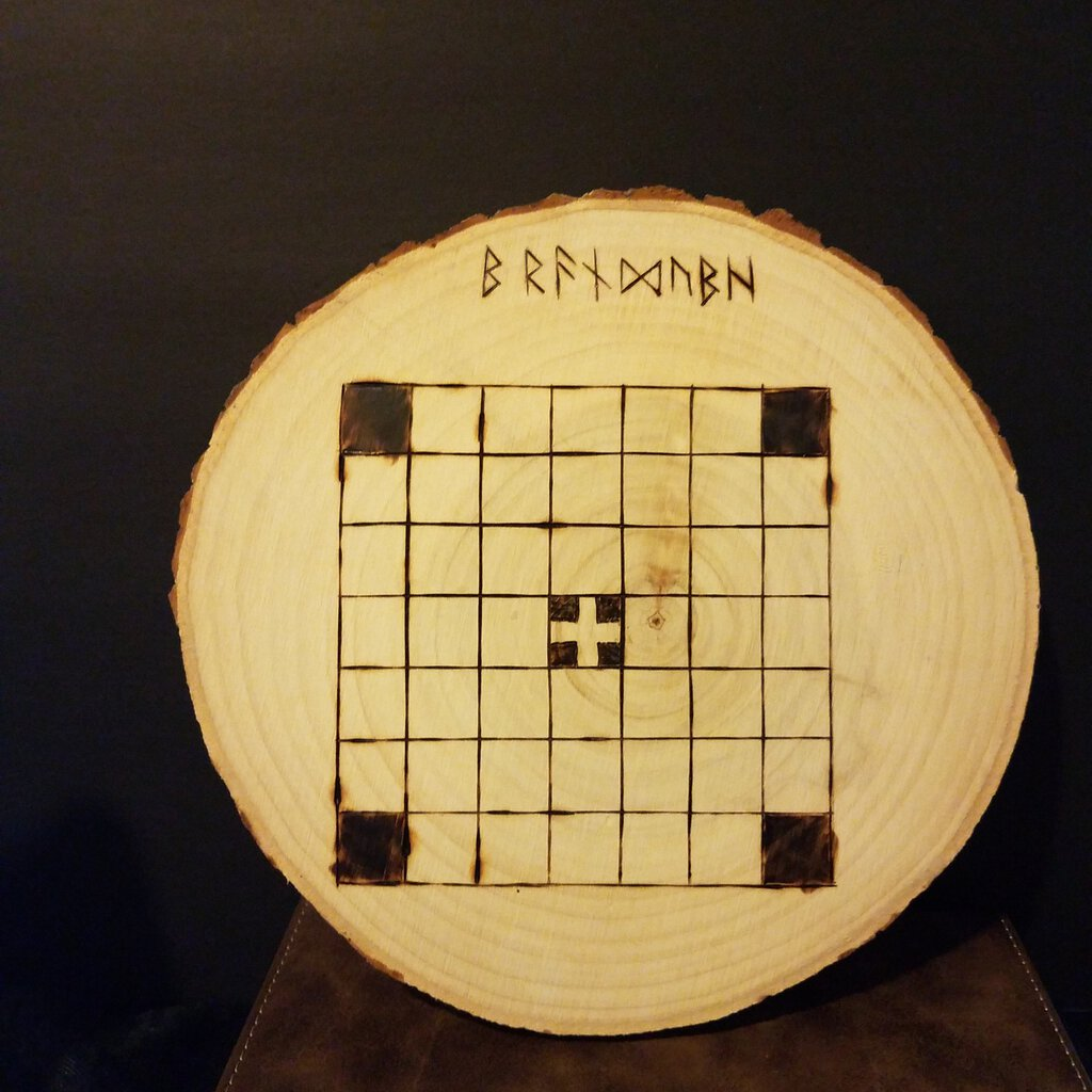 Bran Dubh Game / Germany Wood Burned Slice of Wood