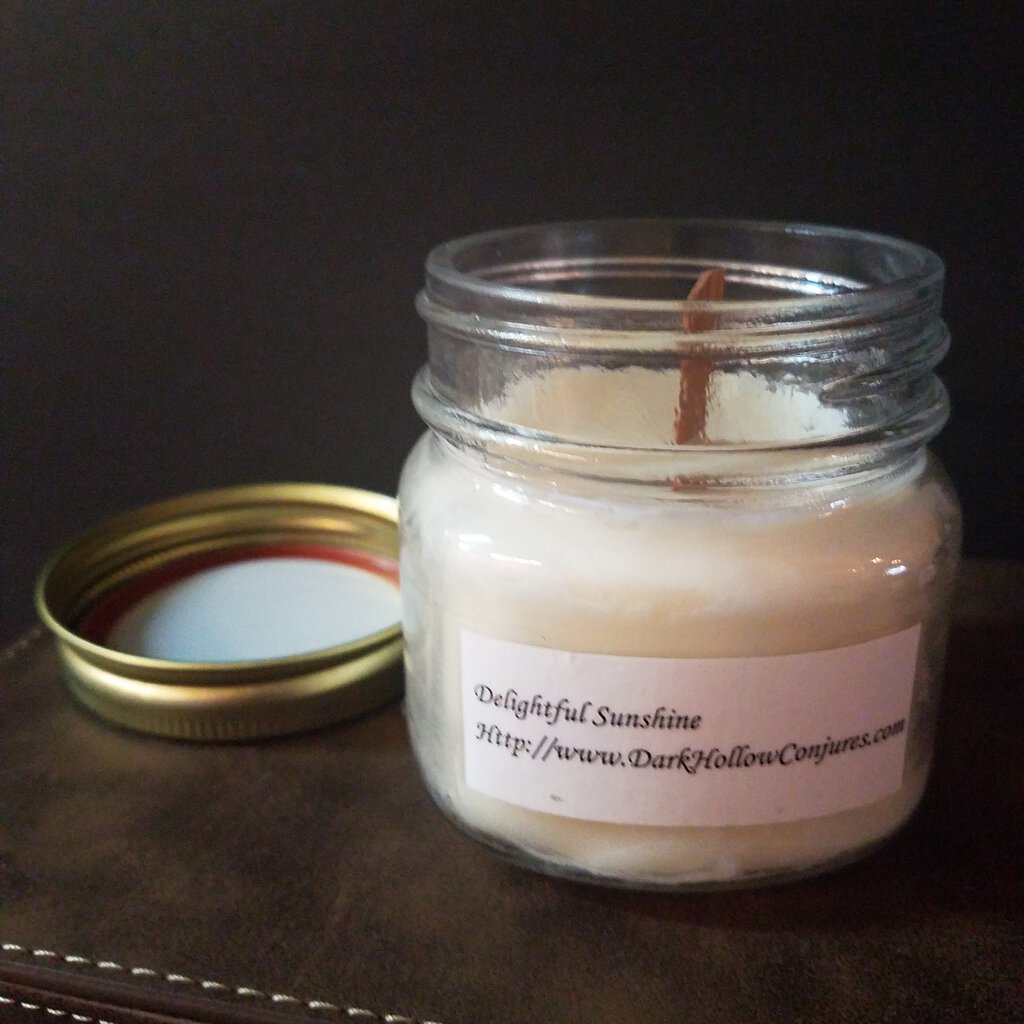 Delightful Sunshine Scent with Wood Wick Candle
