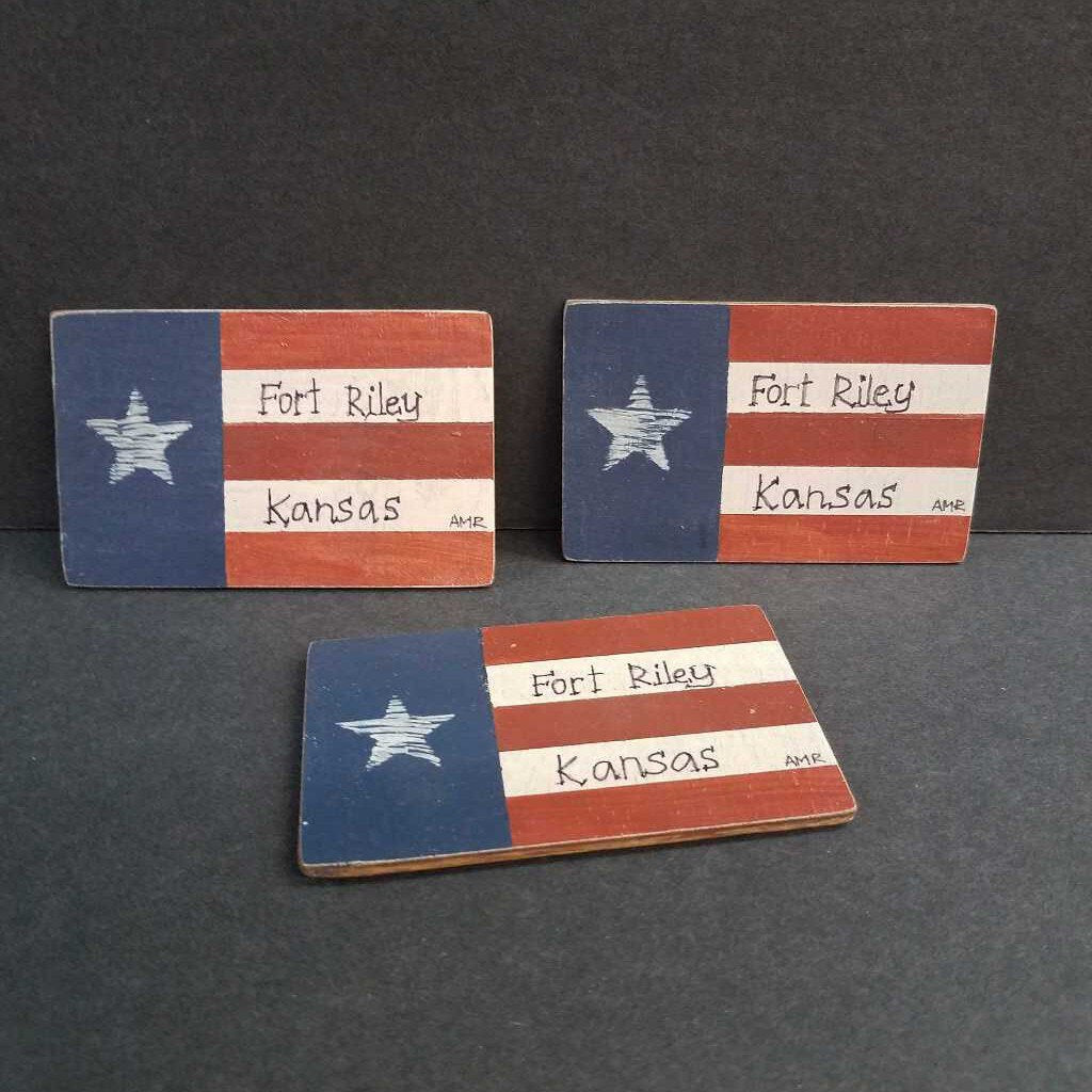 Ft.Riley Service Flag Wood Magnet