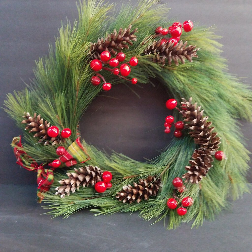 Circle Framed Green & Berries Wreath