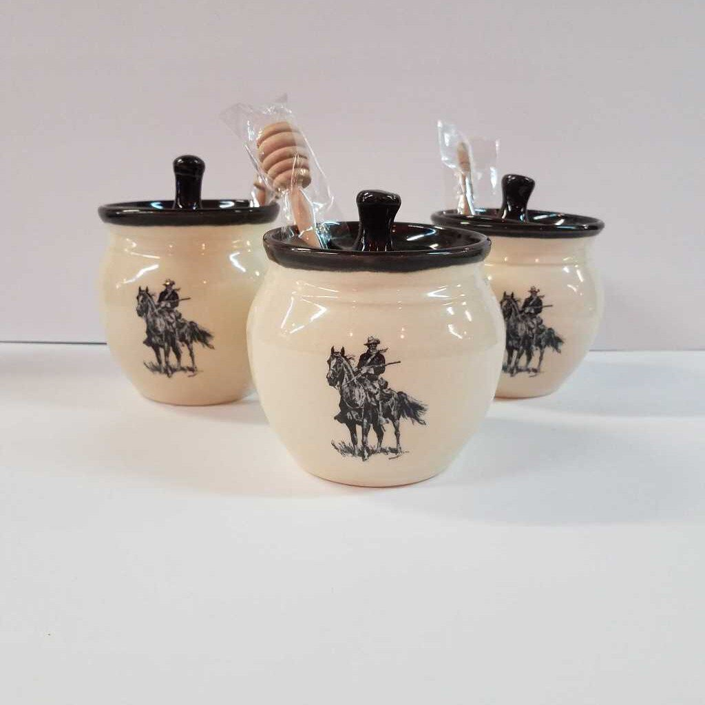 "Honey Pot with Stir Stick with Old Bill Design ""Great Bay Pottery"