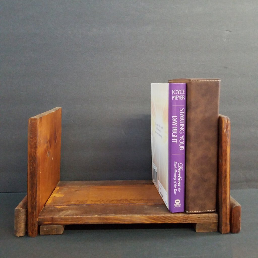 Adjustable free Standing Bookshelf