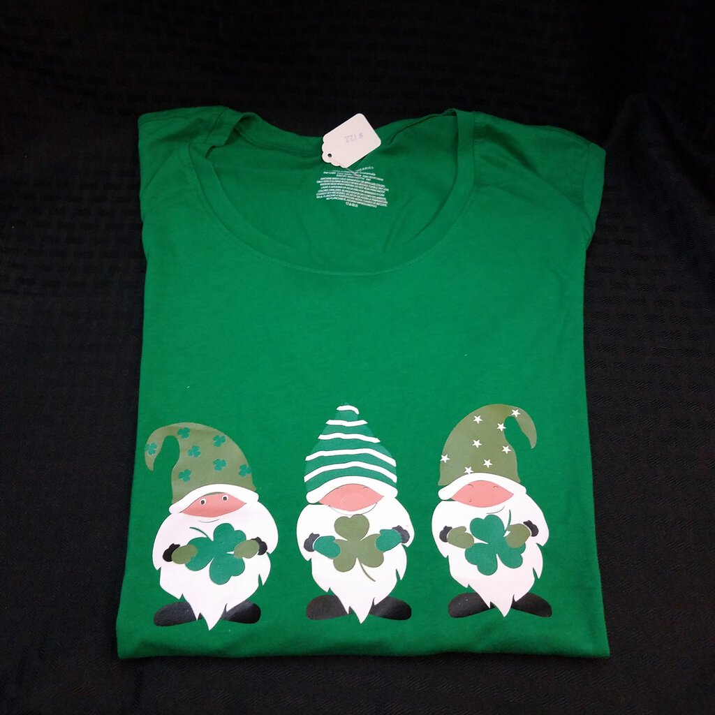 Green St Patrick's Day Gnomes Women's Large Shirt