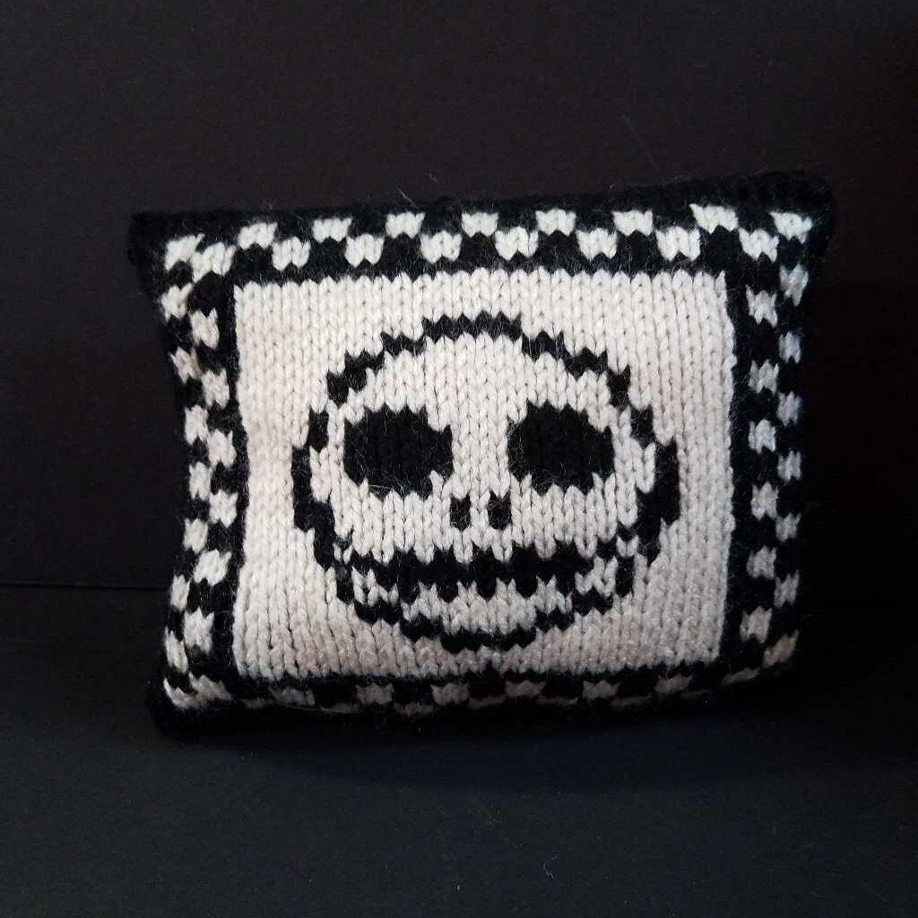 Knitted Halloween Mini Pillows