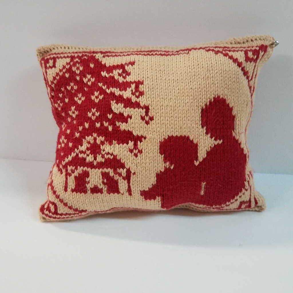 "Knitted Mini Pillow ""Mother & Child"""