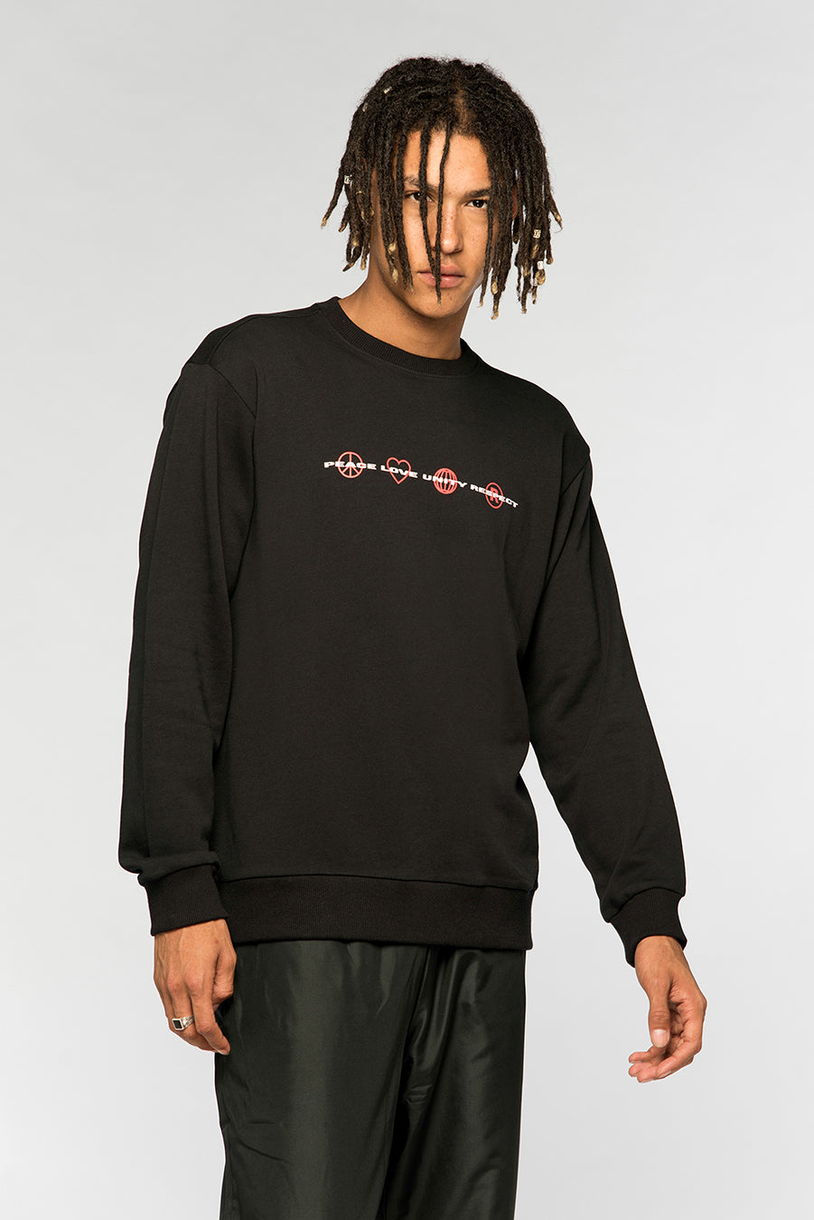 new_future_london_plur_sweatshirt_black_5-1.jpg