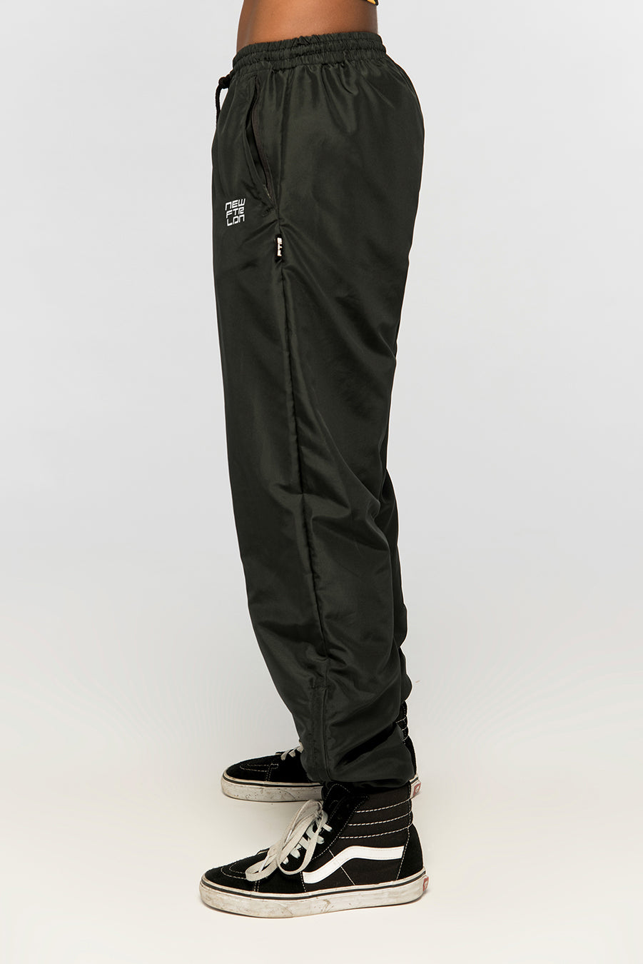new_future_london_racer_logo_plain_joggers_white_logo_-1.jpg