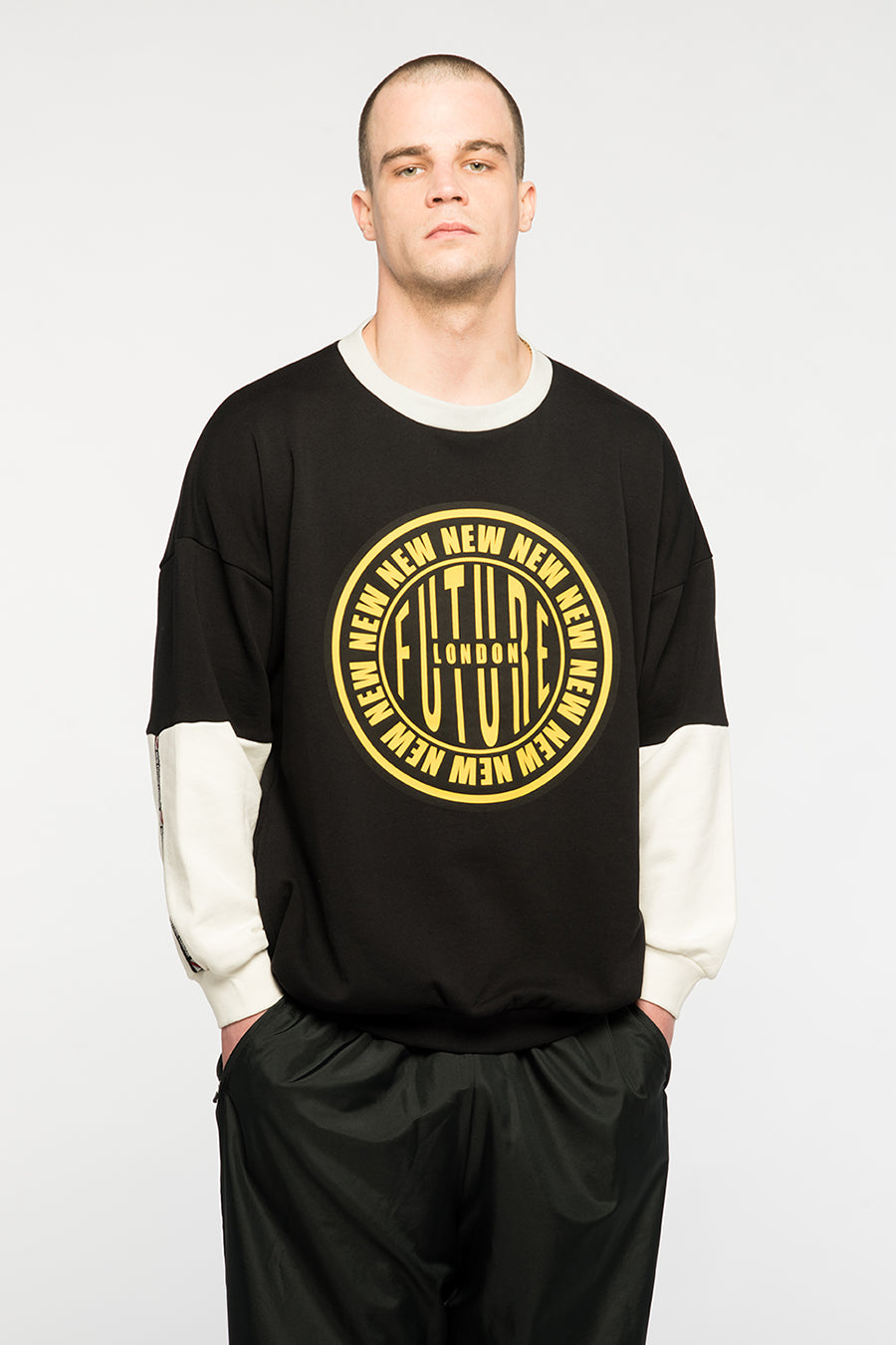 new_future_london_stamp_sweat_blk_yellow_3-1.jpg