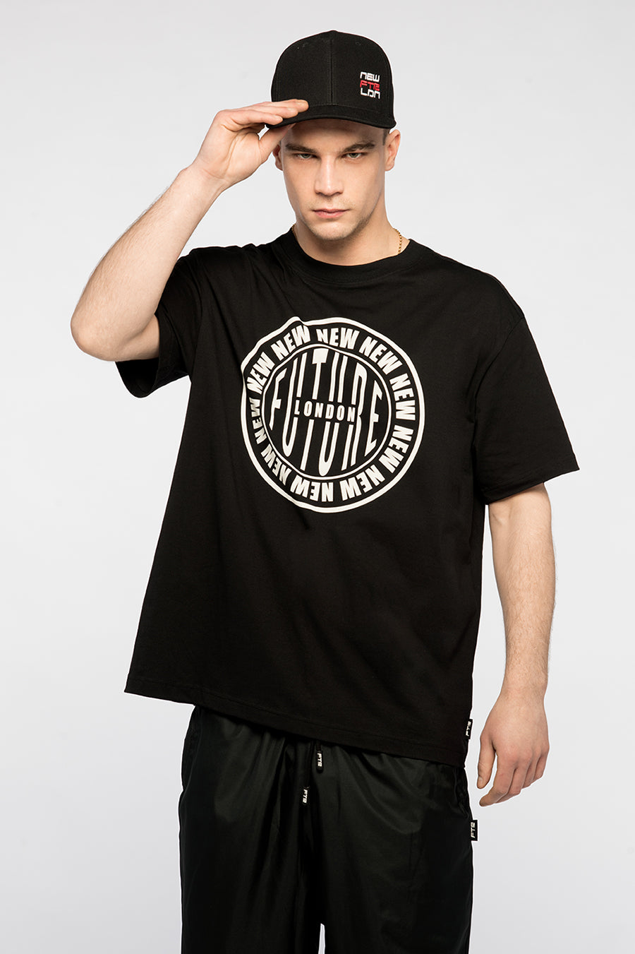 new_future_london_stamp_t_shirt_blk_2-1.jpg