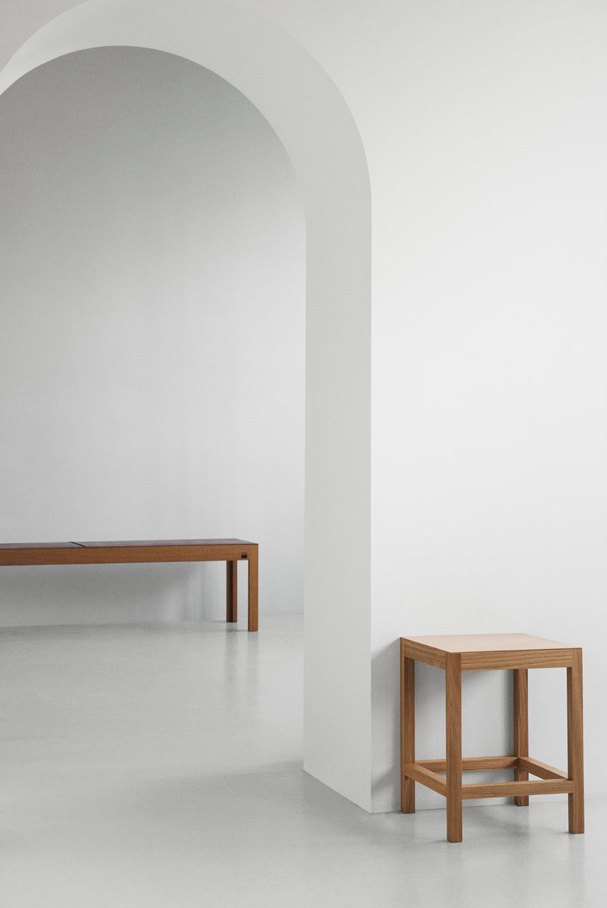 KBH 213 Stool / Oak