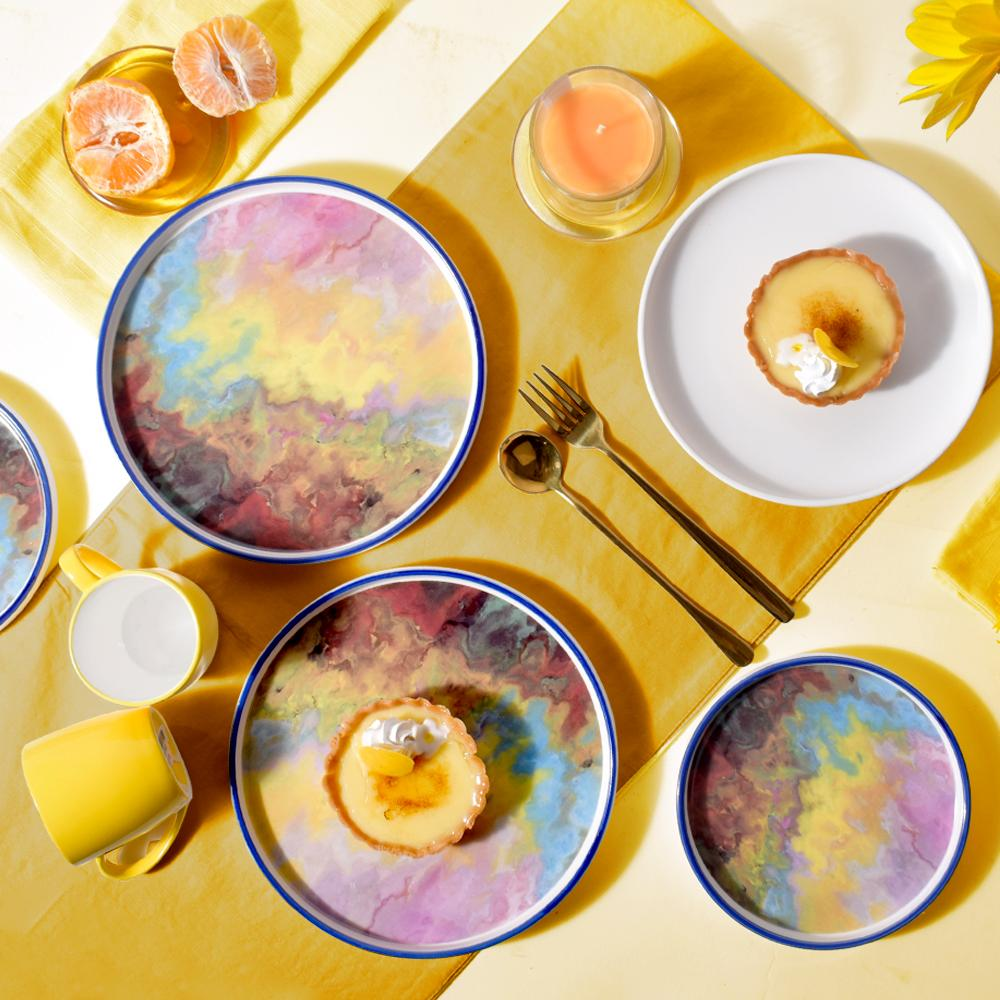4 stunning artistic plates to define your every mood