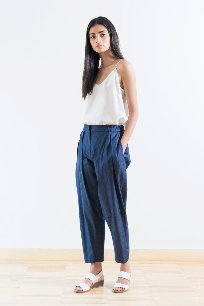 Relaxed Pleat Front Pant
