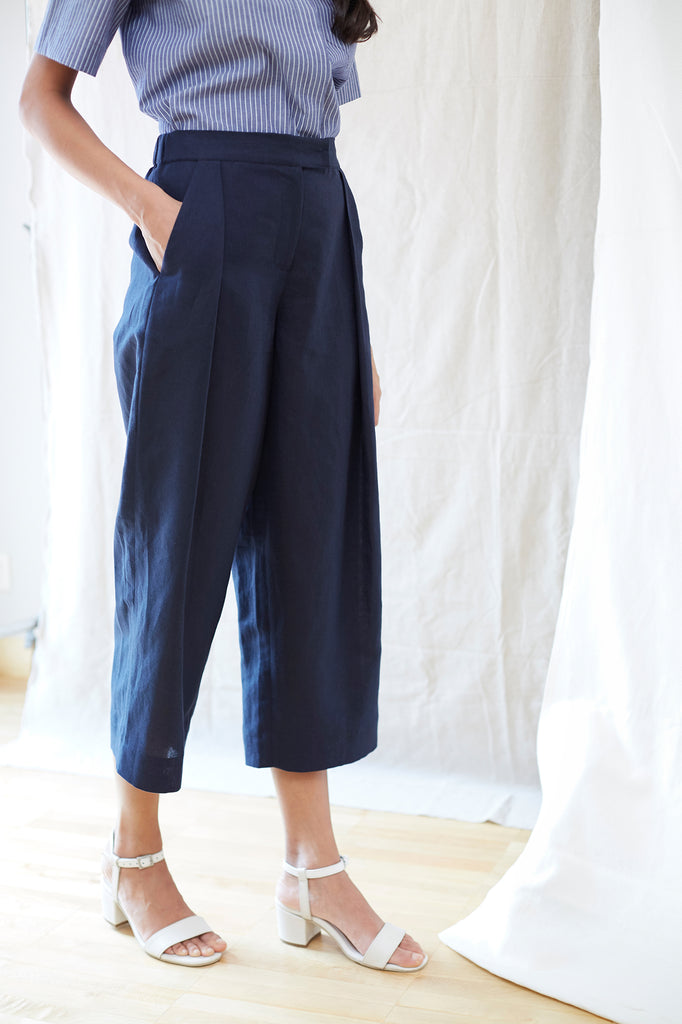 Flared Single Pleat Pant