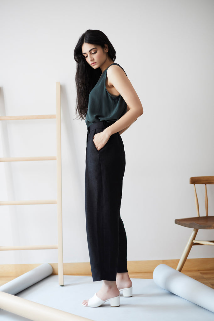 Essential Pleat Front Pant