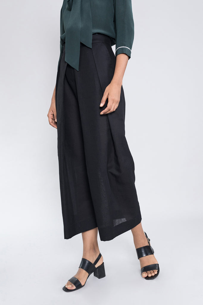 Relaxed Double Pleat Trouser