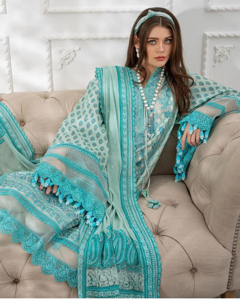 SOBIA NAZIR Luxury Lawn 2021 - A magnificent collection of Designer Dresses awaits you!