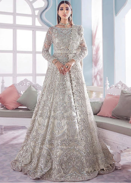 Top 2020/21 Pakistani Designer Winter Outfits with Wedding, Party & Evening Festive Fashion!