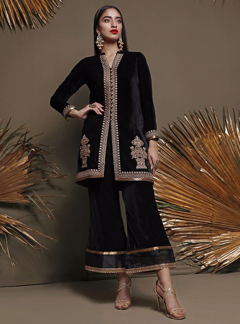 ZAINAB CHOTTANI PAKISTANI PARTY WEAR SUITS UK -Velvet- METALIC MOOD Black Chiffon, Embroidered Collection at our Pakistani Designer Dresses Online Boutique. Pakistani Clothes Online UK- SALE, Zainab Chottani Wedding Suits, Luxury Lawn & Bridal Wear & Ready Made Suits for Pakistani Party Wear UK on Discount Price