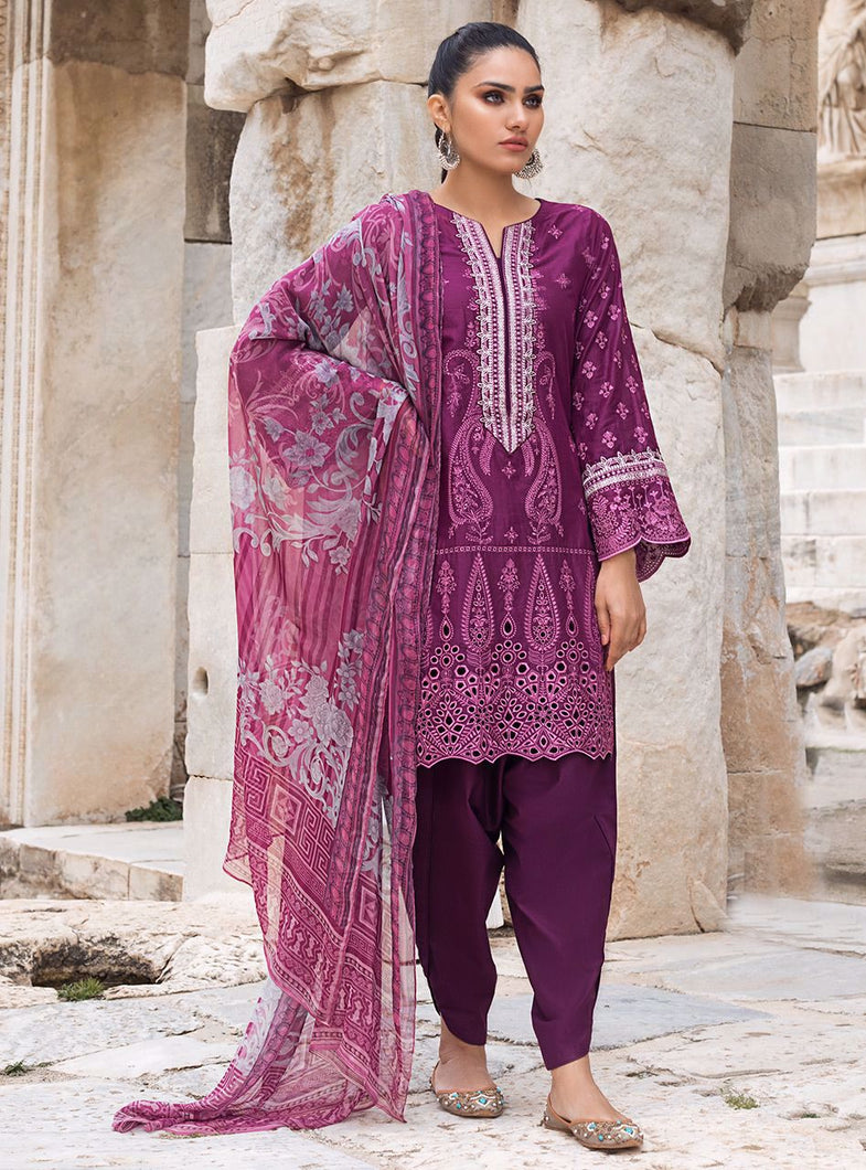ZAINAB CHOTTANI CHIKANKARI 2021 with Swarovski Crystals and Embroidered Chiffon Fabric. LebaasOnline has Zainab Chottani Pakistani PAKISTANI DESIGNER DRESSES MARIA B M PRINT for Online Shopping Worldwide delivering to the UK Germany Birmingham and USA selling 100% original Pakistani Designer Wedding & Bridal Suits