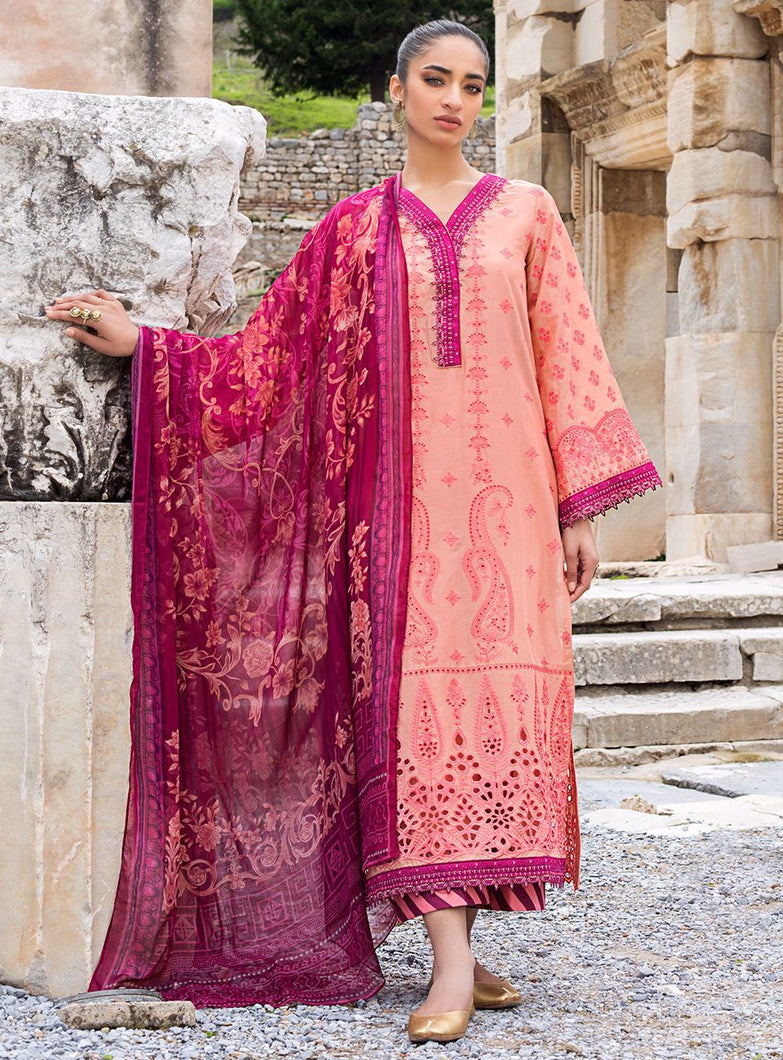 ZAINAB CHOTTANI CHIKANKARI 2021 design with Swarovski Crystals and Embroidered Chiffon Fabric. LebaasOnline has Zainab Chottani Pakistani Party Wear & Pakistani Ready made suits for Online Shopping Worldwide delivering to the UK Germany Birmingham and USA selling 100% original Pakistani Designer Wedding & Bridal Suits.